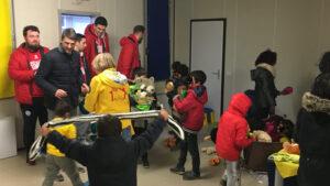 Oleggio Basket, consegnati i peluche ai bimbi del Villaggio Emmaus