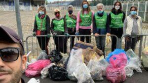 I volontari di Novara Green ripuliscono le sponde dell'Agogna